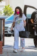 RUMER WILLIS Out for Lunch at South Beverly Grill in Beverly Hills 05/25/2021