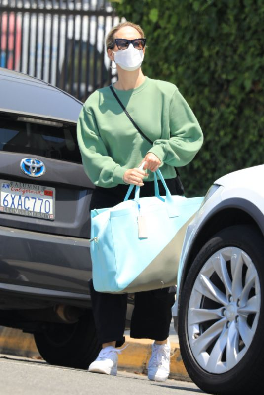 SARAH PAULSON Out Shopping in Los Angeles 05/14/2021