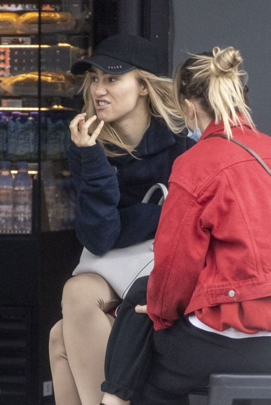 SUKI and IMMY WATERHOUSE Out for Smoothies in Notting Hill 05/20/2021