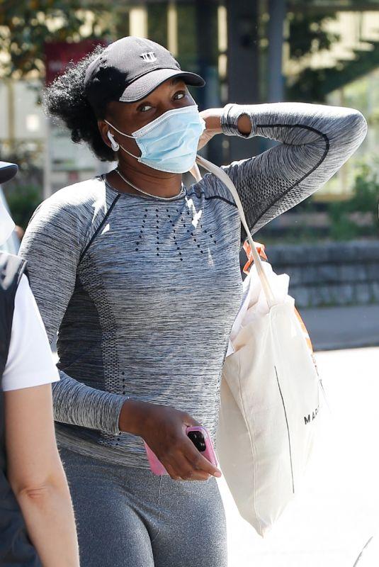 VENUS WILLIAMS Arrives at Her Hotel After Training at Roland Garros 05/29/2021