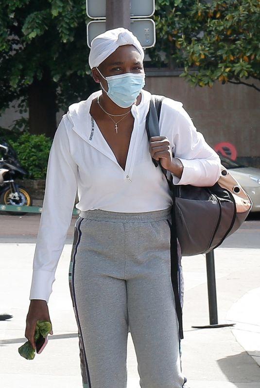 VENUS WILLIAMS Arrives at Her Hotel After Training at Roland Garros 2021 in Paris 05/28/2021