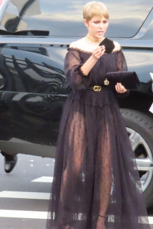 ANNASOPHIA ROBB Arrives at Tribeca Film Festival in New York 06/14/2021