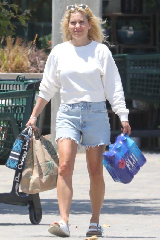 CANDACE CAMERON BURE Shopping at Whole Foods in Malibu 06/28/2021