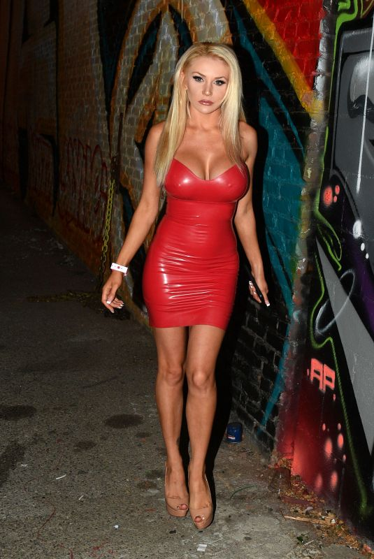 COURTNEY STODDEN Arrives at 1720 in Los Angeles 06/18/2021