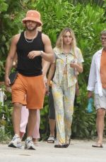 DELILAH HAMLIN Out with Friends in Tulum 06/16/2021