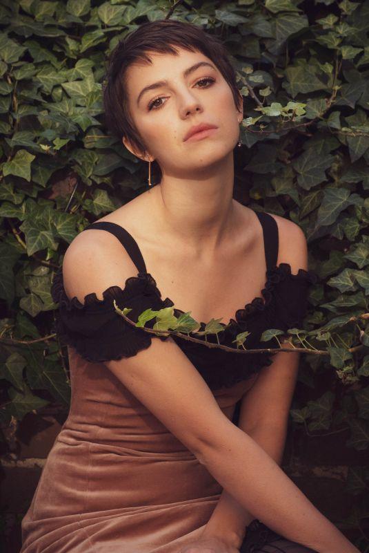 ELLA HUNT for Rose & Ivy Magazine, January 2021