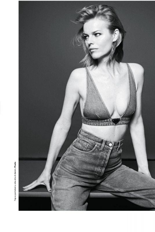 EVA HERZIGOVA in D La Repubblica Magazine, June 2021