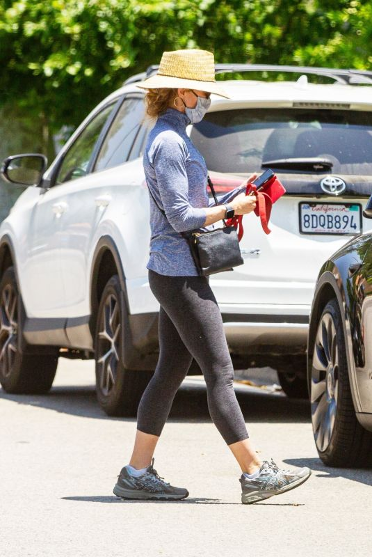 FELICITY HUFFMAN Out wit Her Dogs in Los Angeles 05/31/2021