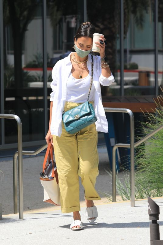 JESSICA ALBA Outside Her Offices in Los Angeles 06/15/2021