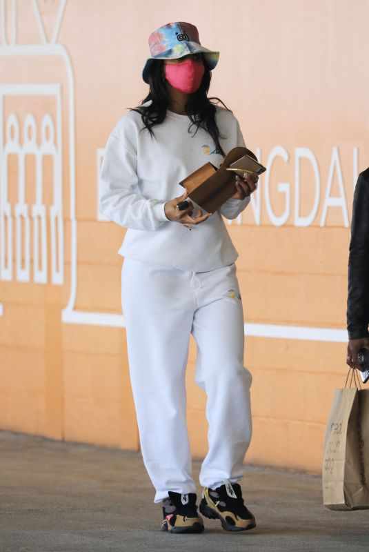 KELLY ROWLAND Out Shopping in Beverly Hills 06/01/2021