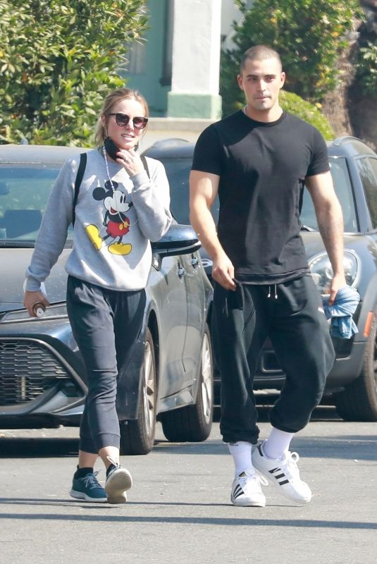 KRISTEN BELL and Benjamin Levy Aguilar Out in Los Angeles 06/01/2021