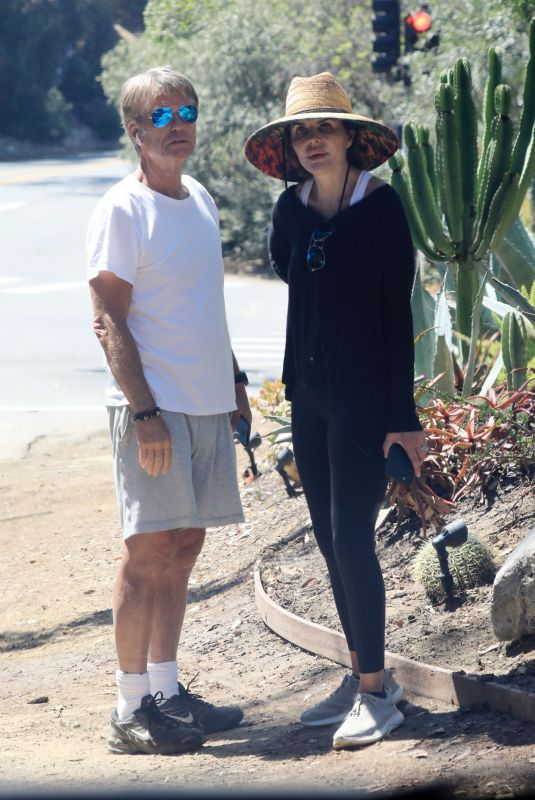 LISA RINNA and Harry Hamlin Out Hiking in Beverly Hills 06/04/2021