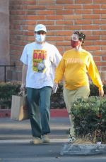 Pregnant HALSEY and Alev Aydin Shopping at Ralphs in Malibu 06/04/2021