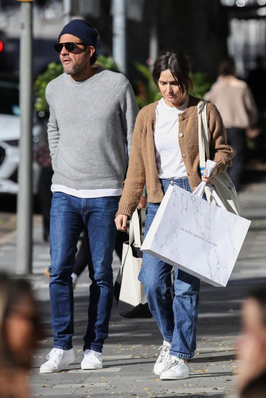 ROSE BYRNE and Bobby Cannavale Out Shopping in Sydney 06/18/2021