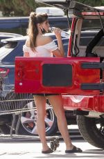 SARA SAMPAIO Shopping at Bristol Farms in Beverly Hills 06/08/2021