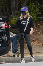 SARAH MICHELLE GELLAR Out Shopping in Los Angeles 05/31/2021