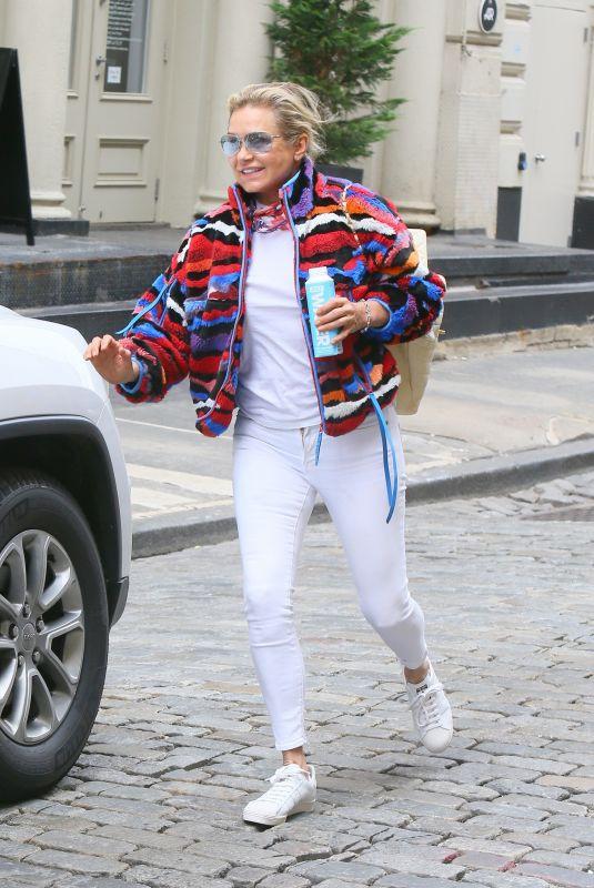 YOLANDA HADID Leaves Bella's Apartment in New York 06/01/2021