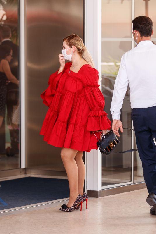 ABIGAIL BRESLIN Leaves Martinez Hotel at 2021 Cannes Film Festival 07/08/2021
