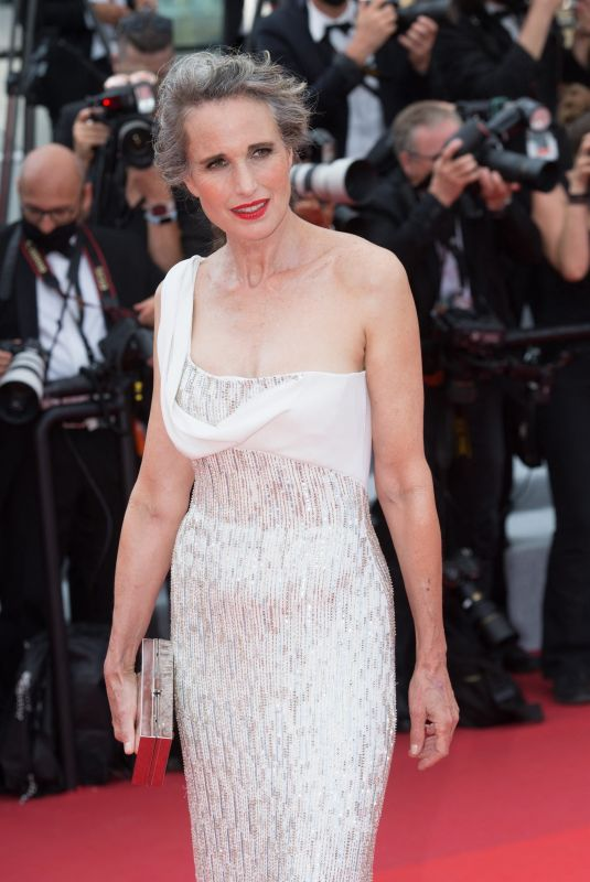 ANDIE MACDOWELL at Tout S