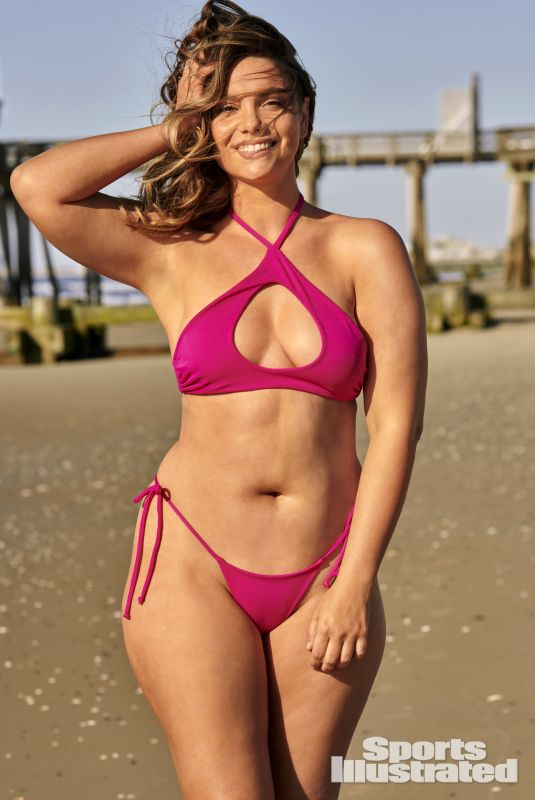 CHELSEA HEATH in Sports Illustrated Swimsuit 2021