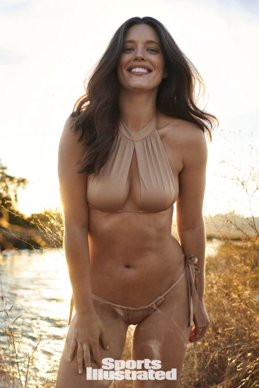 EMILY DIDONATO in Sports Illustrated Swimsuit 2021