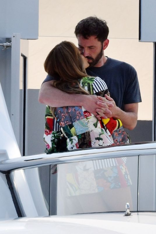 JENNIFER LOPEZ and Ben Affleck Kissing at a Yacht in South of France 07/24/2021