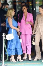 JESSICA WRIGHT with her Mum Carol and Sister Natalya at Amazonico Restaurant in London 07/08/2021