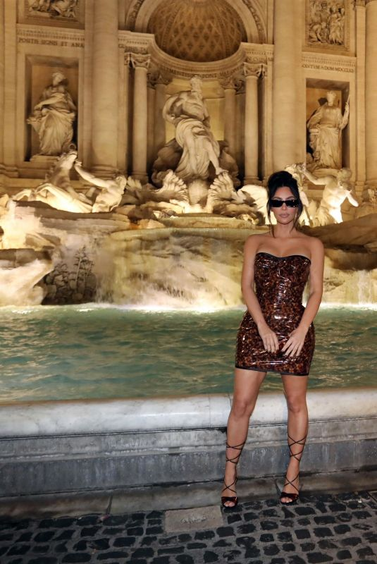 KIM KARDSHIAN Night Out at Trevi Fountain in Rome 06/29/2021