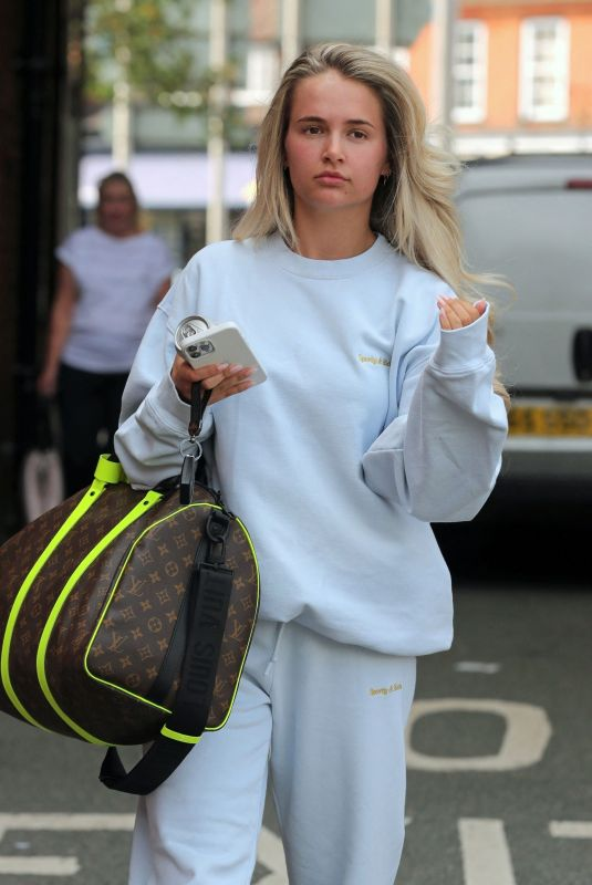 MOLLY MAE HAGUE Leaves a Hair Salon in Wilmslow 07/13/2021