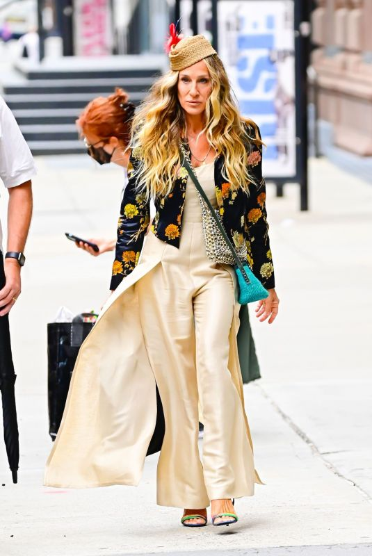 SARAH JESSICA PARKER on the Set of And Just Like That in New York 07/13/2021