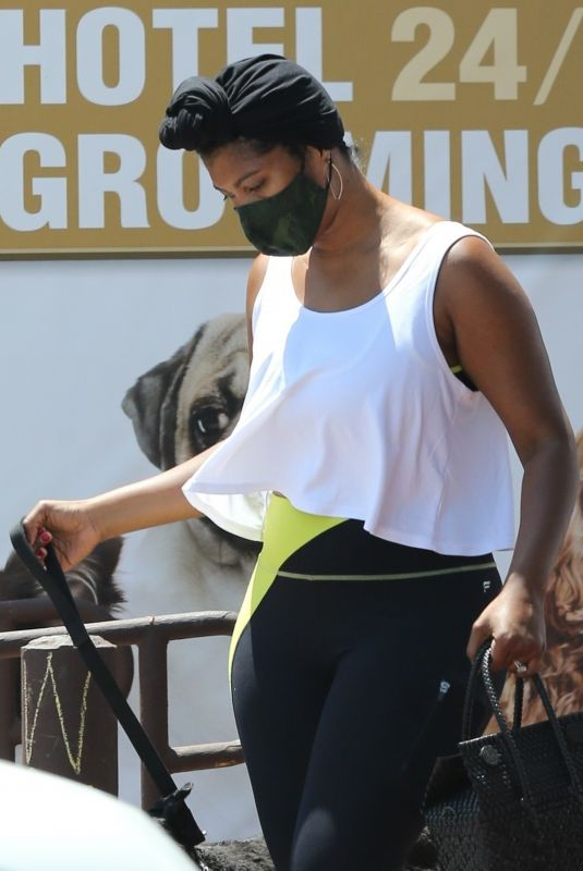 TAYLOR SIMONE LEDWARD Picks up Her Dog from Daycare in Los Angeles 07/09/2021