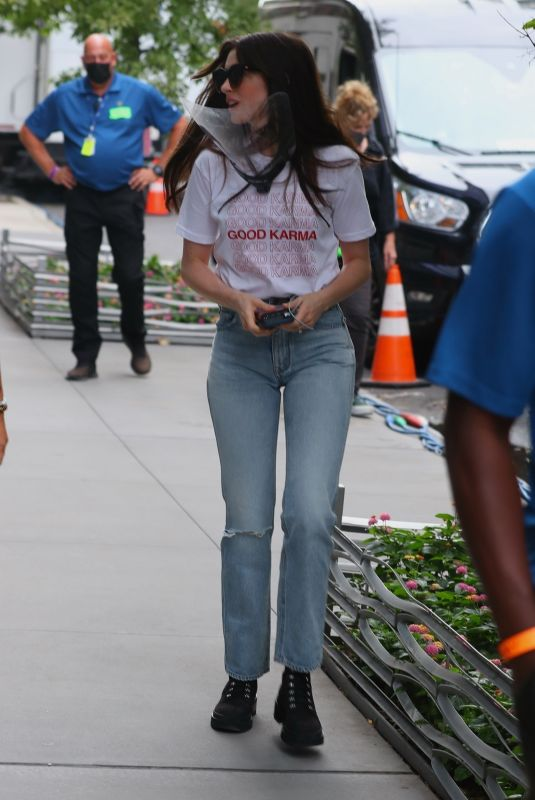 ANNE HATHAWAY Arrives on the Set of Wecrashed in New York 08/17/2021