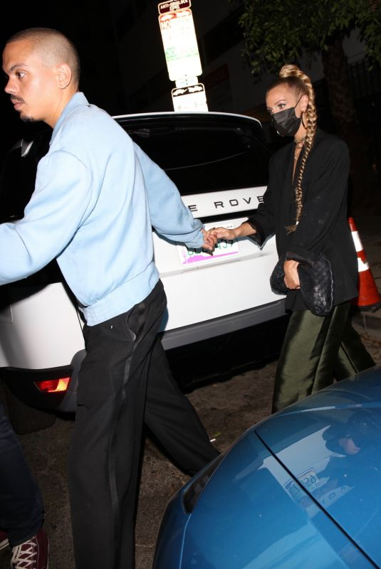 ASHLEE SIMPSON and Evan Ross Leaves Warwick in Hollywood 08/19/2021