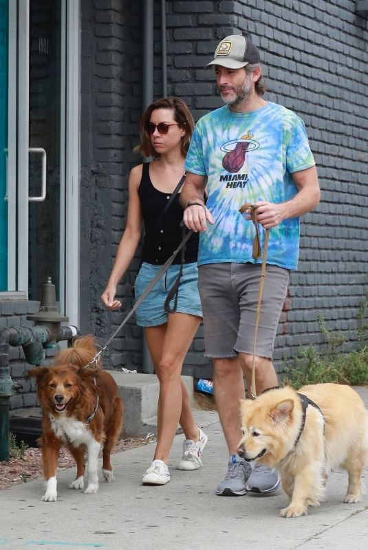 AUBREY PLAZA and Jeff Baena Out with Their Dogs at Tailwaggers & Tailwashers Hollywood Pet Supply Store 08/21/2021