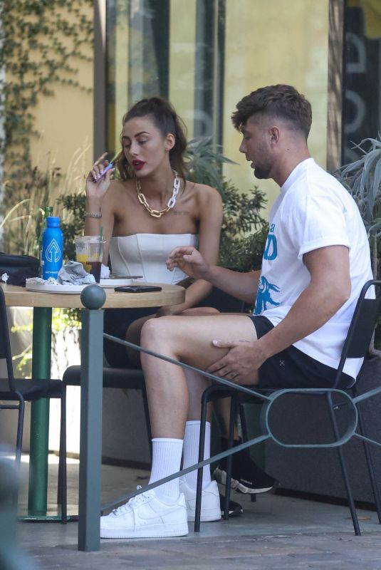 CHLOE VEITCH and Harry Jowsey Out for Breakfast in Los Angeles 08/10/2021