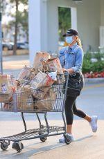 CHRISSY TEIGEN Shopping at Bristol Farms in Los Angeles 08/23/2021
