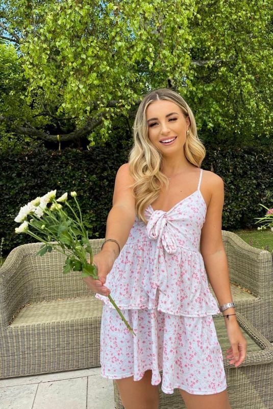 DANI DYER for Pretty In Pink Collection with In The Style, 2021