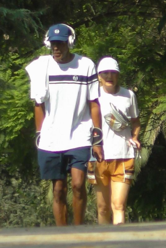 ELLEN POMPEO and Chris Ivery Out Hiking at Griffith Park in Los Angeles 08/16/2021