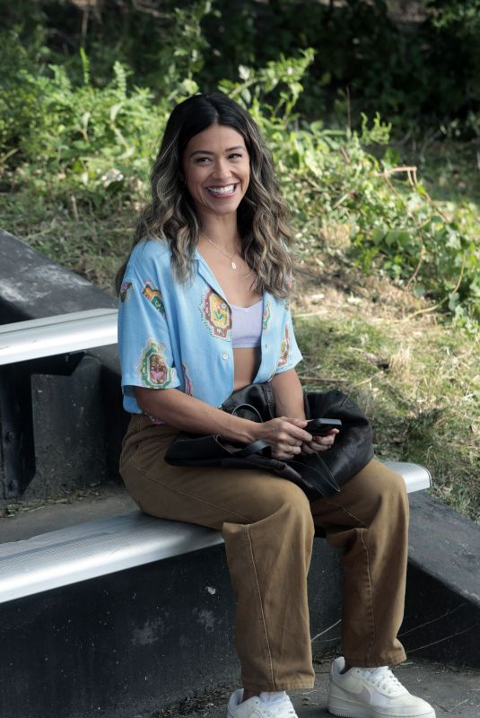 GINA RODRIGUEZ on the Set of Players in Brooklyn 08/26/2021
