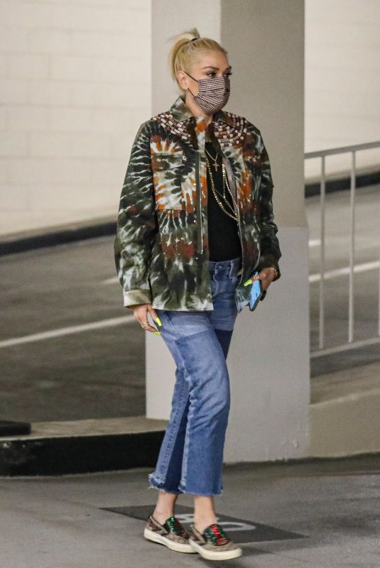 GWEN STEFANI Out in Beverly Hills 08/10/2021