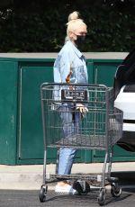 GWENSTEFANI Shopping at Bristol Farms in West Hollywood 08/24/2021
