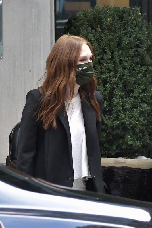 JULIANNE MOORE Leaves Her Hotel in New York 08/25/2021