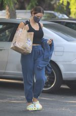 KATHARINE MCPHEE Shopping at Bristol Farms in Beverly Hills 08/15/2021