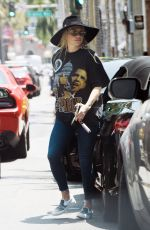 KESHA Out and About in Los Angeles 07/29/2021