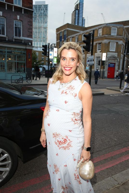 LISA DWAN at Van Gogh Immersive Experience Private View in London 08/03/2021