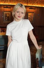 MAISIE WILLIAMS Hosts a Dinner to Celebrate Launch of New Film Production Company Rapt in London 08/02/2021