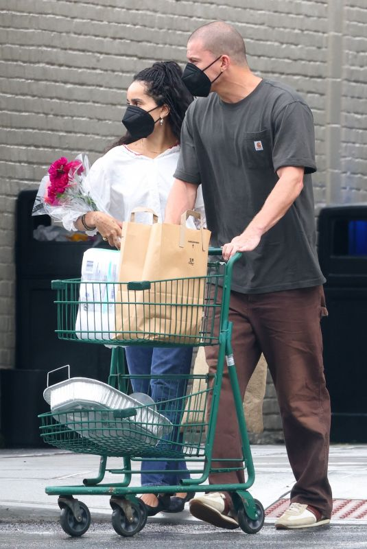 ZOE KRAVITZ and Channing Tatum Leaves a Supermarket in New York 08/23/2021