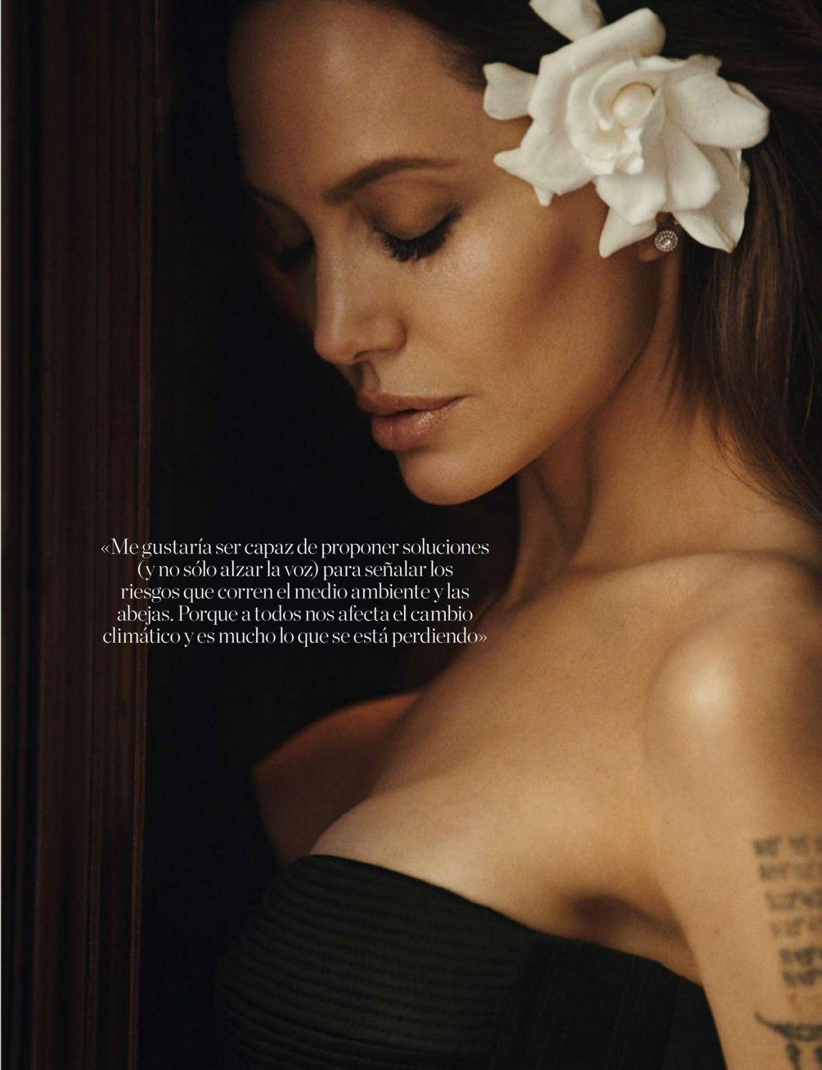 ANGELINA JOLIE in Elle Magazine, Spain October 2021 – HawtCelebs