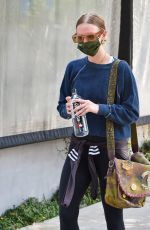 ASHLEE SIMPSON Leaves a Gym in Los Angeles 09/08/2021