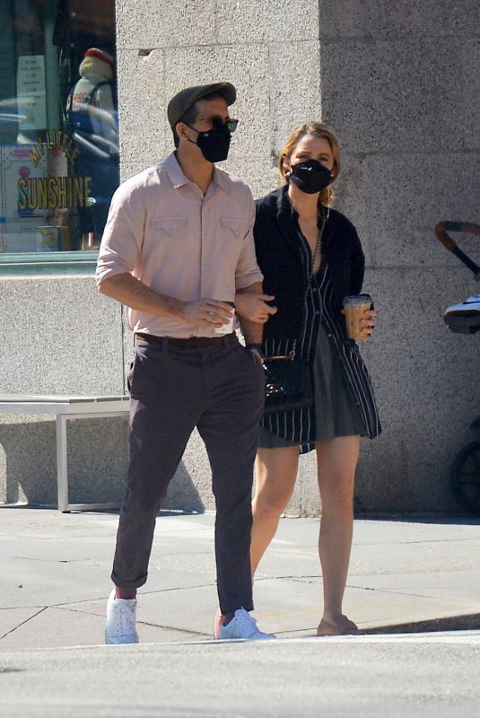 BLAKE LIVELY and  Ryan Reynolds Out and About in New York 09/26/2021